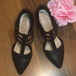 Sole Society Black Mallory t-strap heels